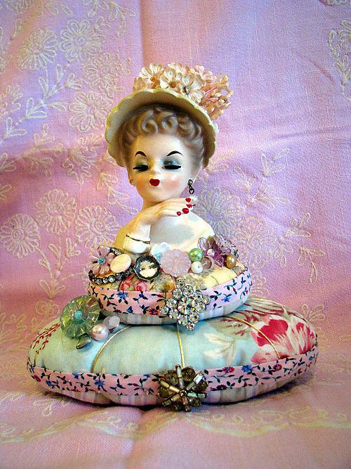 Lady Vase PC 1