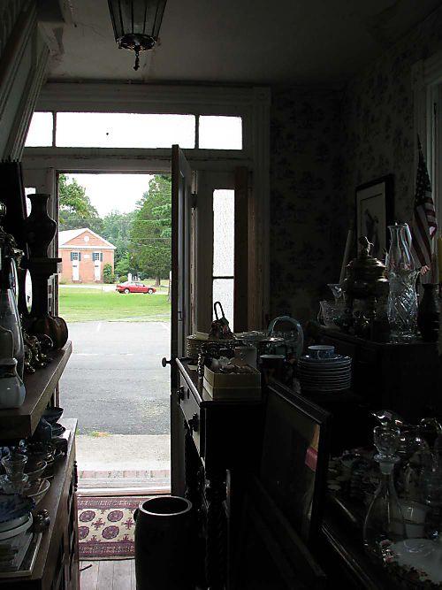 River 2 Com Antiques out door