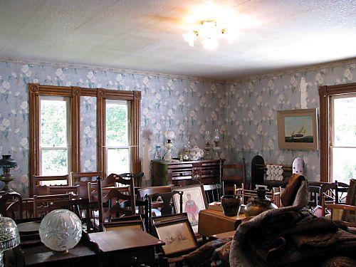 River 2 Com Antiques chair room