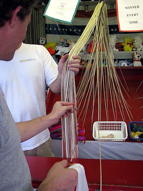 Carnival Dan string game