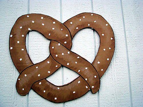 Carnival pretzel