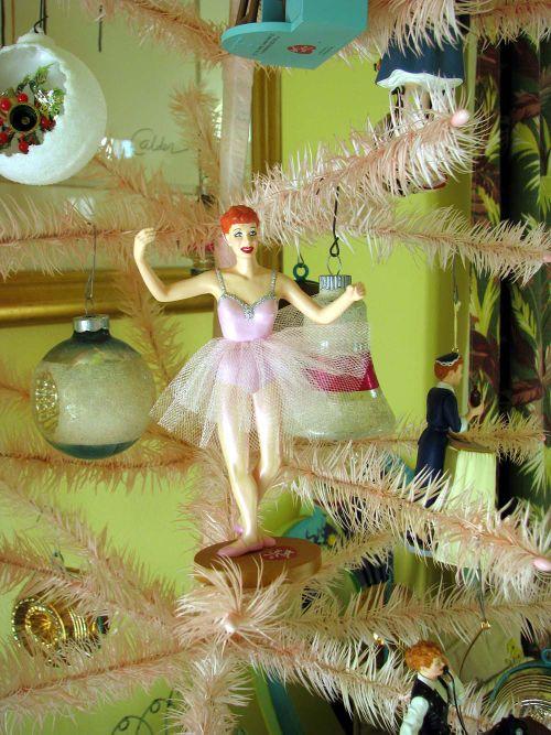 LR Lucy Tree 2
