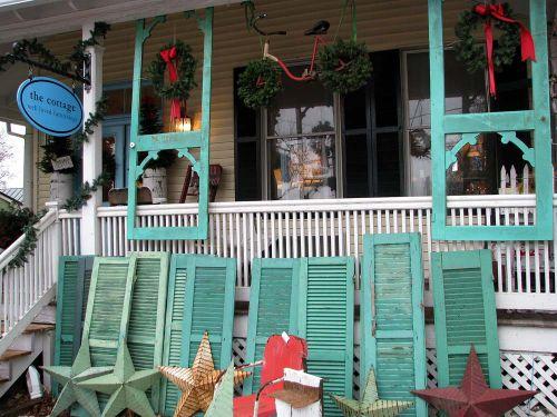 Lburg Cottage front