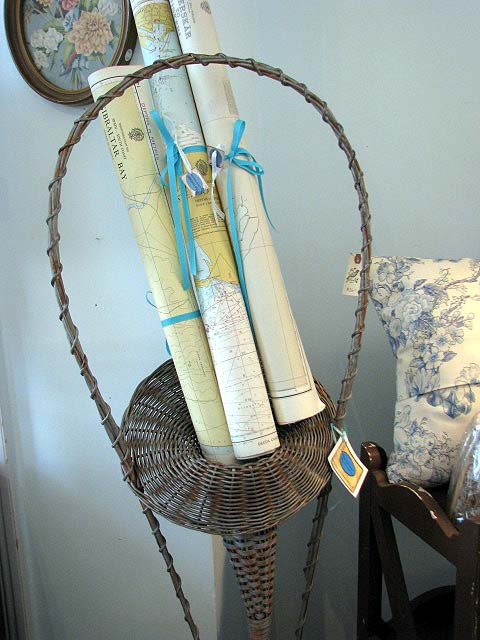 Cottage map basket