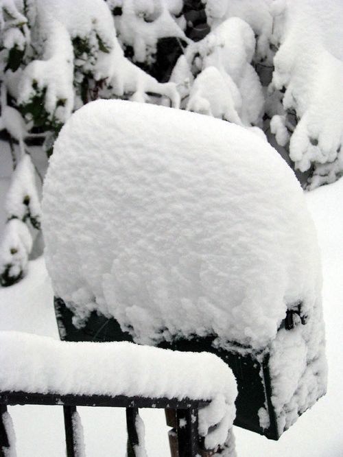 2-6 snow mailbox