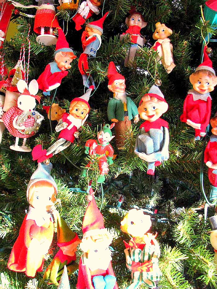 Christmas Tree Elves