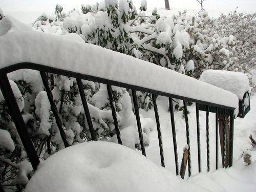 Snow porch railing