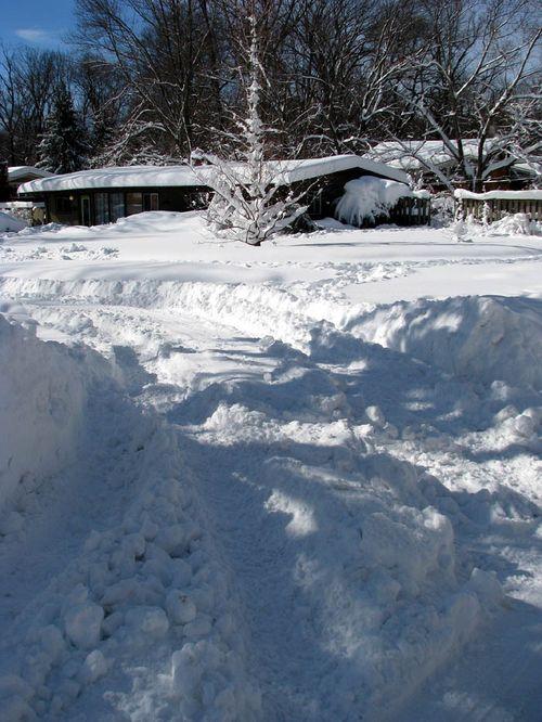 2-7 snow suzy house