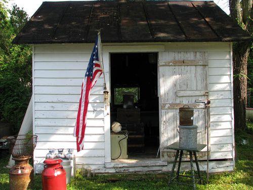 Lively CJ shack