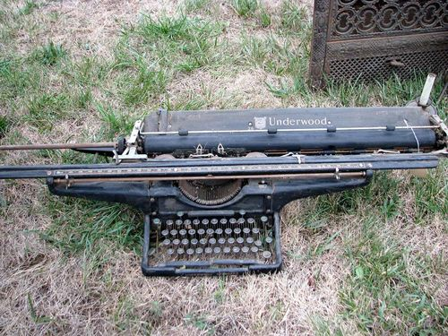 Yard crawl typewriter