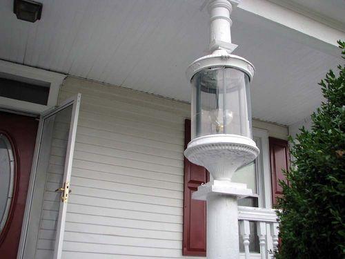 Yard crawl white house lamp
