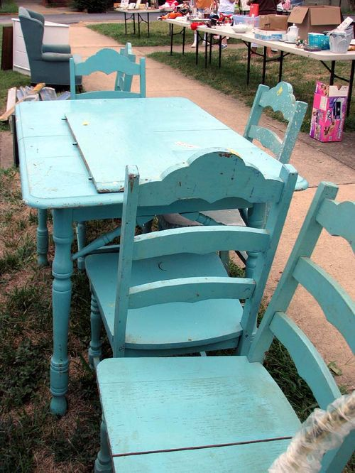 Yard crawl aqua tables