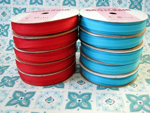 Spools red aqua
