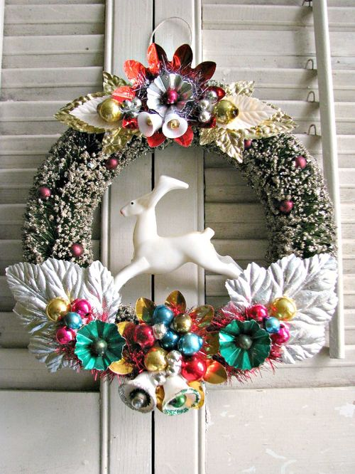 Deer Red Wreath 1