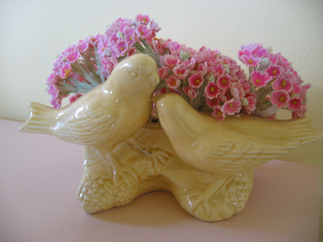 Bird_planter_pink_flowers