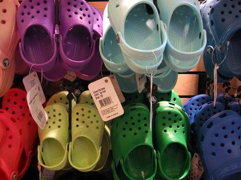 Mall_crocs