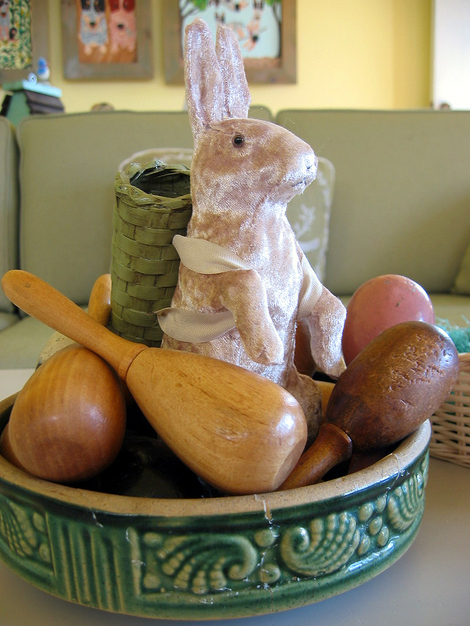 Bunny_and_eggs